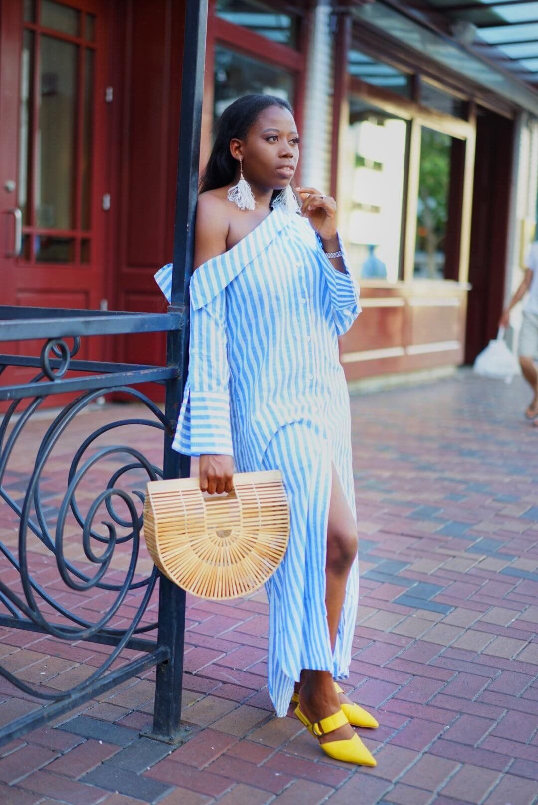 STRIPED IN WIDE SHOULDER DRESS